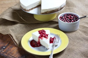 Greek-Yogurt-Cheesecake-Recipe-with-Pomegranate-Sauce-12